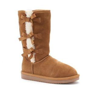 🚨FINAL PRICE🚨NWT. Ugg Girls' Boots